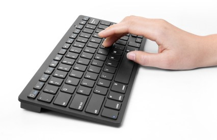 Anker Bluetooth Ultra Slim Keyboard