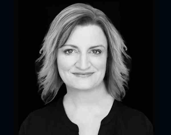 Julie Hyde - Buzz Web Media