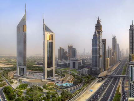 jumeirah-emirates-towers-_100720130934457410