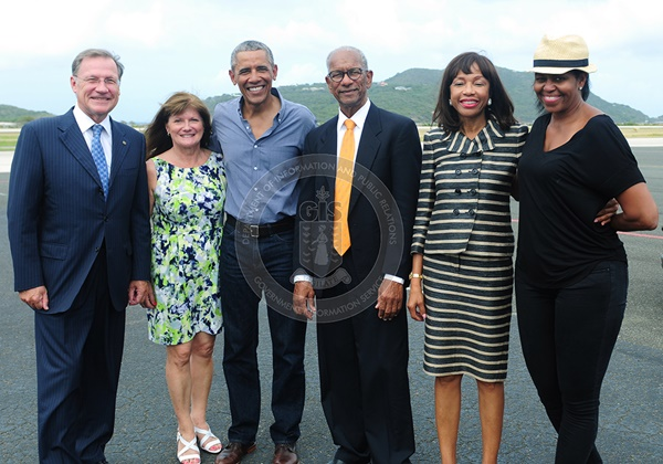 Left to right: Governor John Duncan and his wife Anne-Marie, Mr Barack Obama, Premier Dr D Orlando Smith and his wife Lorna, and Mrs Michelle Obama. Photo credit: GIS/ Ronnielle Frazer