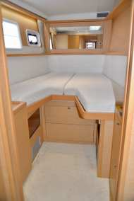 45 Lagoon 450 Sandy Interior-02