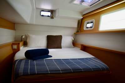 45 Lagoon 450 Sandy Interior-16