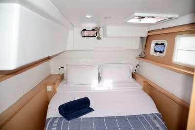 45 Lagoon 450 Sandy Interior-17