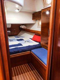 Bavaria 42 Cruiser Miss B'Haven-41 cabin