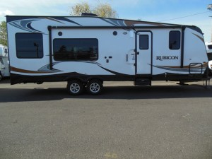 Side profile of the 2600 Rubicon at B YOUNG RV!