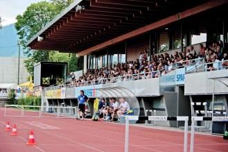 Unterstütze unsere Teams live im Waldstadion.