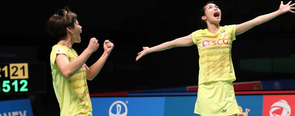 Jongkolphan Kititharakul and Sapsiree Taerattanachai (featured image) coolly took to the court and inflicted a battering on the stellar partnership of Christinna Pedersen and Kamilla Rytter Juhl who were expected