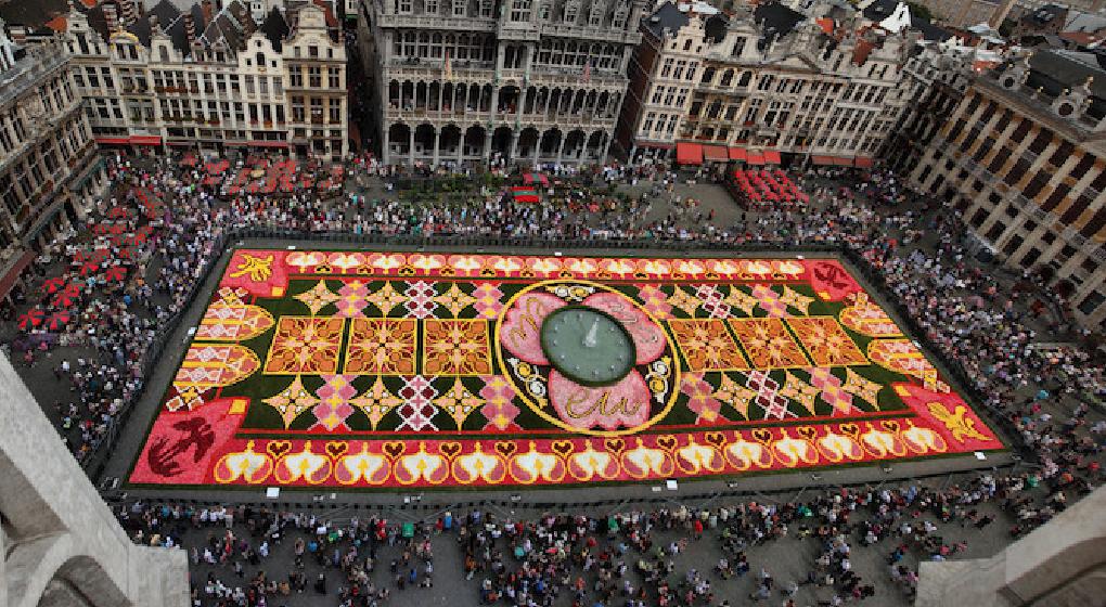 traditionnel tapis de fleurs