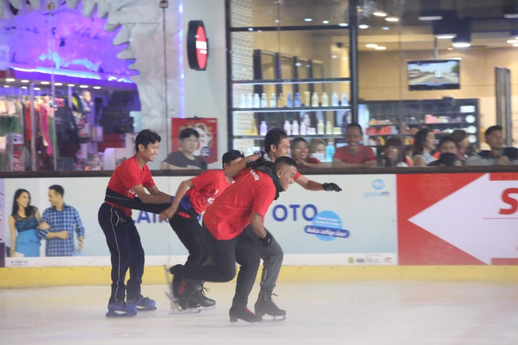 Futsal on Ice di BX Rink Bintaro Xchange Ice Skating RInk HUT RI 74 - 7