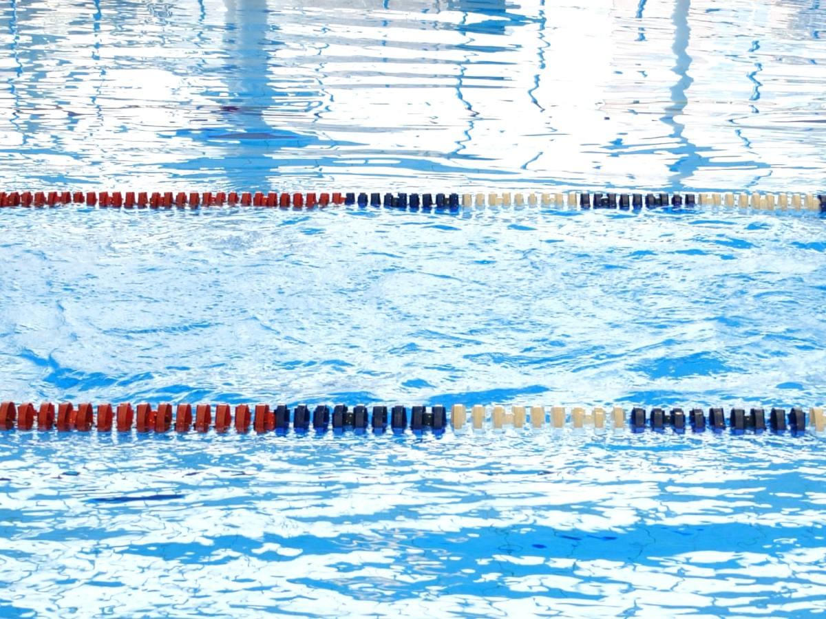 Image of swimming pool. Photo by olia lialina on Unsplash