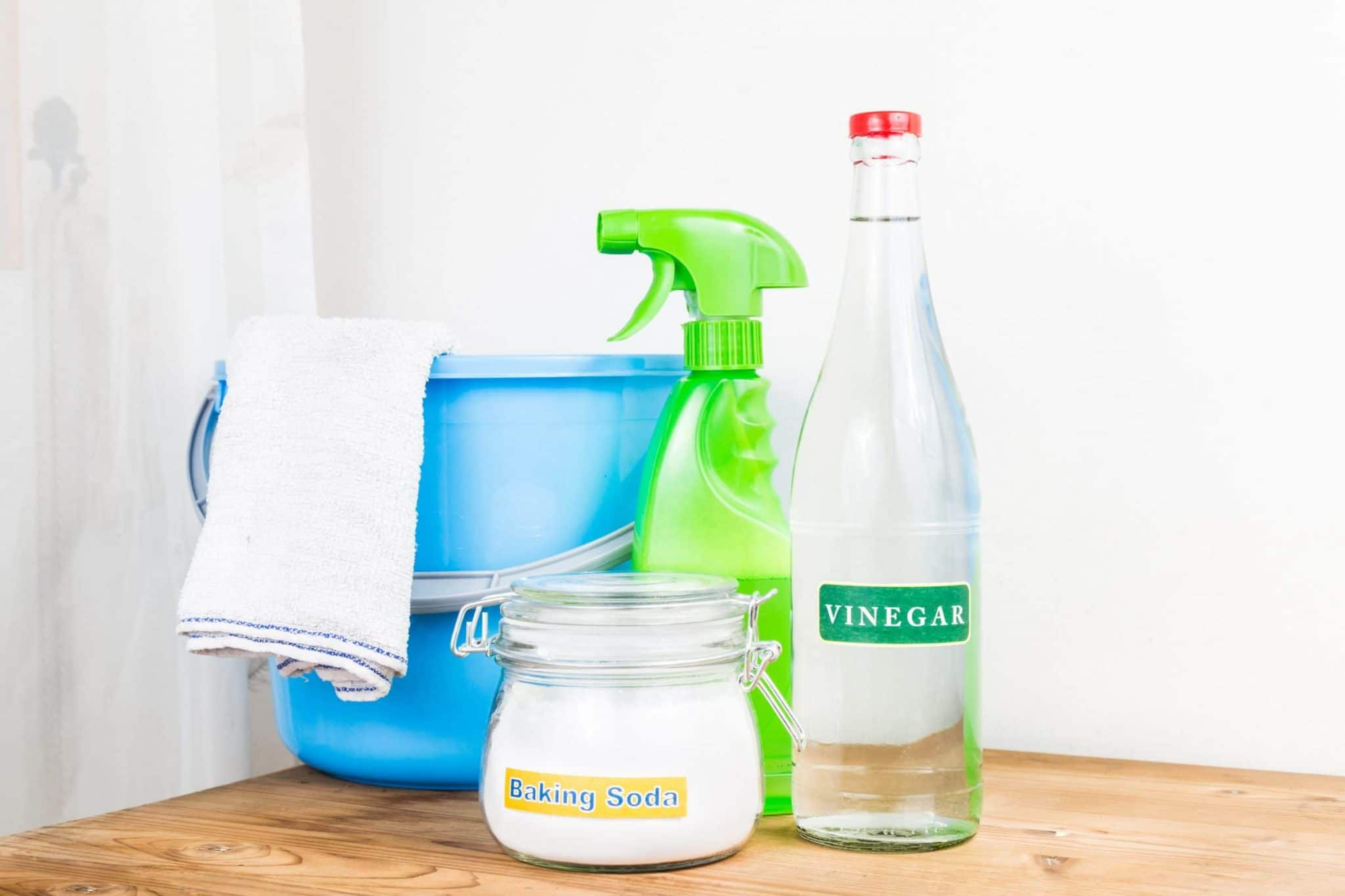 If you have a container of white vinegar stashed in your pantry, pull it out and get to work! I have a ton of vinegar uses for all areas of your home. #household #hacks #vinegar