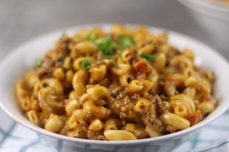 My Instant Pot Cheeseburger Macaroni Homemade Hamburger Helper Recipe is an awesome almost effortless, homemade hamburger helper. #easy #homemade #instantpot #cheeseburgers #beef #pasta #hamburgerhelper #onepot