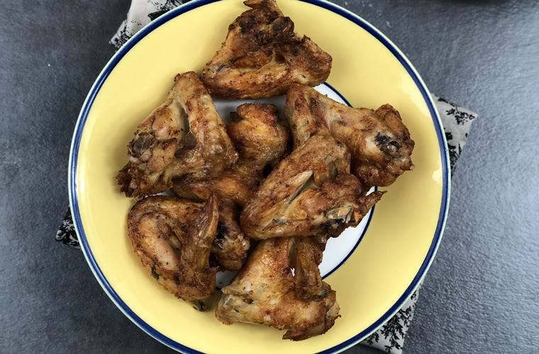 You guys know how much I love my air fryer! It's an awesome kitchen appliance that lets me turn dishes that are usually fried and full of fat into healthier meals. Chicken wings are one of my favorite fried foods, but my air fryer lets me make a healthier version of my favorite recipe like these keto air fryer chicken wings.