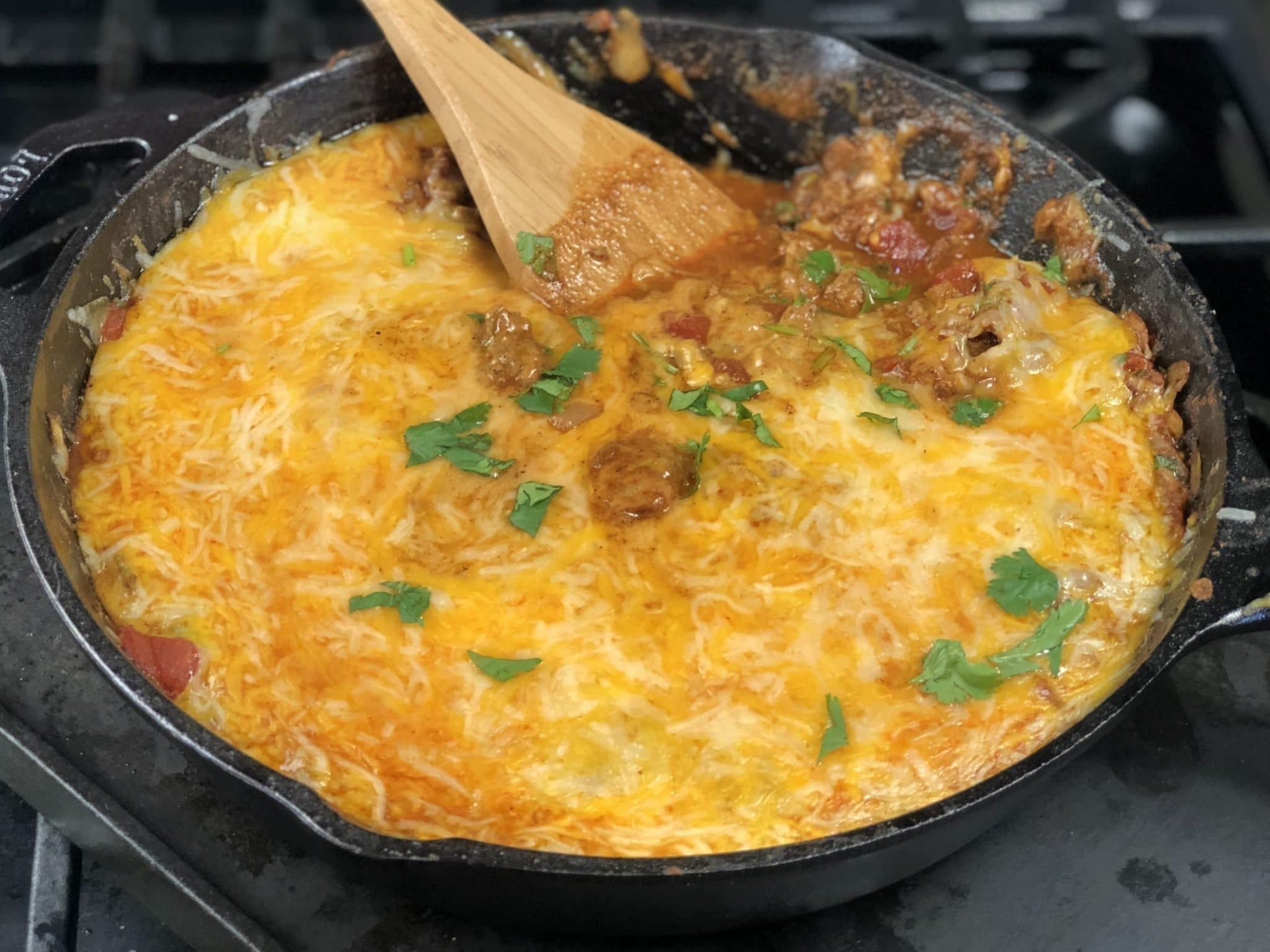 This cheesy ground beef keto taco skillet is just what you need to stay within your macros and have an amazing taco Tuesday! #keto #ketorecipes #ketodiet #ketogenic #tacos #tacotuesday