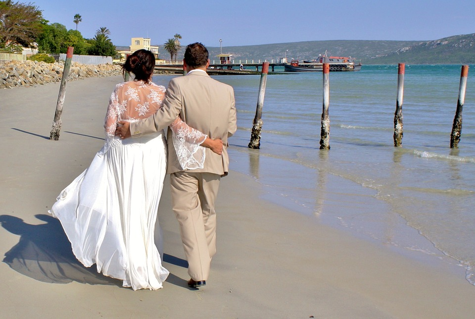 Setting Up The Perfect Beach Wedding