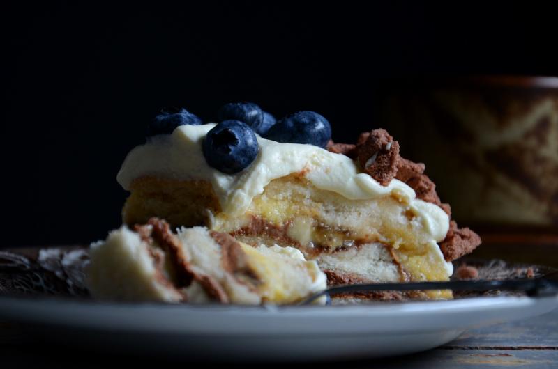 lagkage-m-banan-chokolademousse-blaabaer-foedselsdagskage-opskrift-by-blikfang-5
