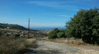 Land for Sale Gharzouz Jbeil Area 880Sqm