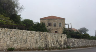 Old House for Sale El Aazra Kesserwan Housing Area 200Sqm