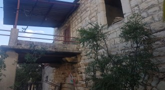 Old House for Sale Deria Batroun House Area 200Sqm Area Land 550Sqm