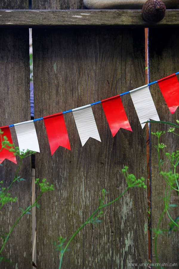 Easy Duct tape bunting
