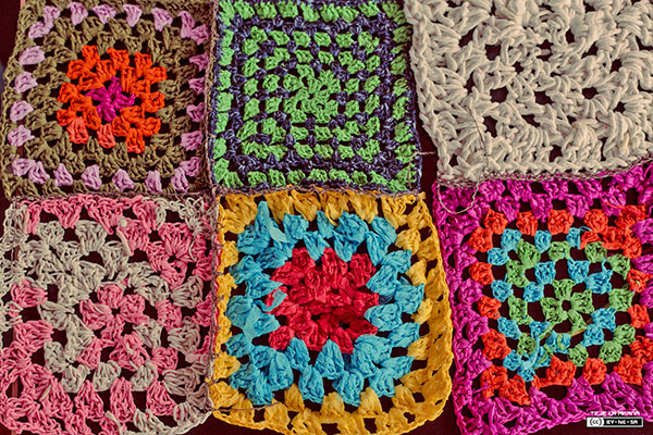 Paper yarn bombing Medialab Prado