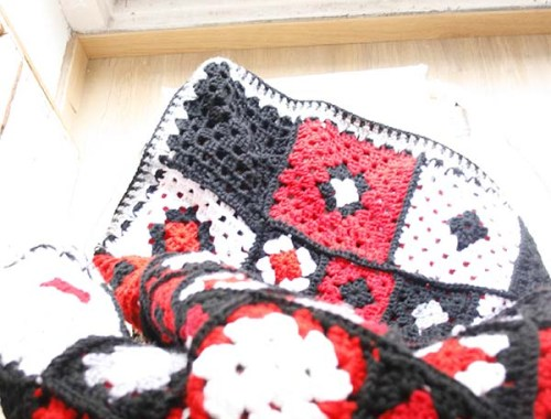 Manta realizada en crochet | By Cousiñas