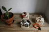 lámparas realizadas en madera, con cable entelado y bombilla decorativa | By Cousiñas
