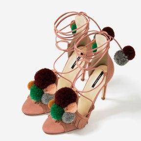 http://www.zara.com/fr/fr/femme/chaussures/cuir/sandales-%C3%A0-talons-en-cuir-et-pompons-c269194p3801516.html