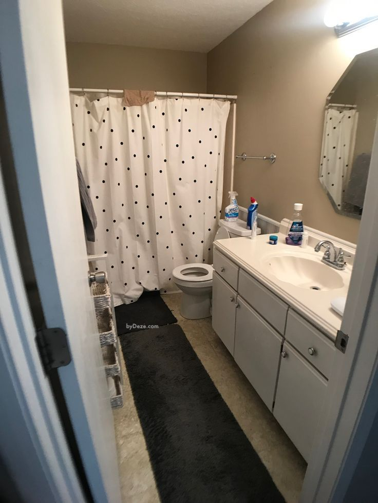 the before picture of the small guest bathroom before its cheap makeover