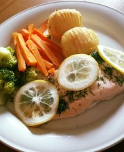 Steamed Salmon with Dill & Lemon