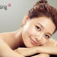 "soyoung akan menjadi model pertama untuk kosmetik merek ""LLang"""