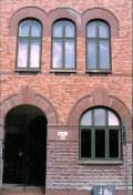 Jugendbyggnad med originalfönster