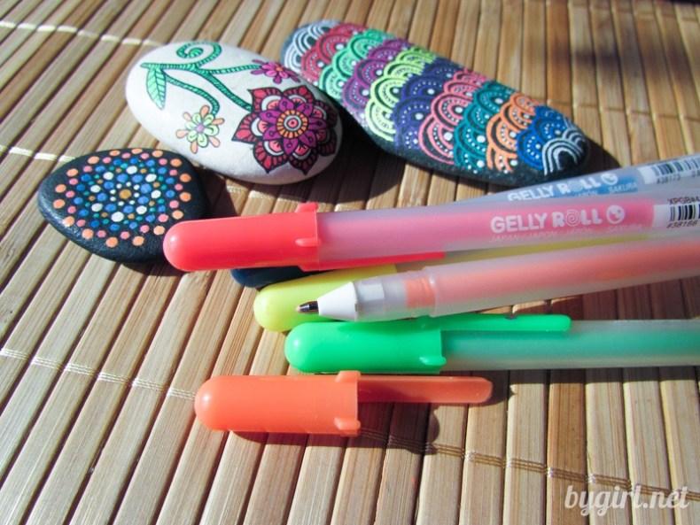 Чем рисовать на черной бумаге: цветные ручки Sakura GellyRoll Moonlight's®