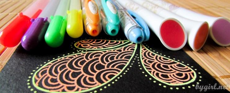 Чем рисовать на черной бумаге: цветные ручки