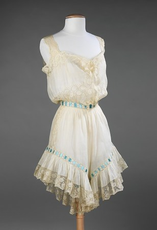 A combination of chemise and drawers, early 1900s