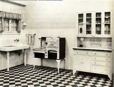 early_1920s_kitchen