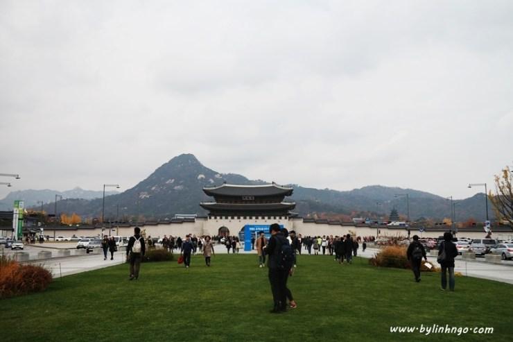 Gwanghawmun Square
