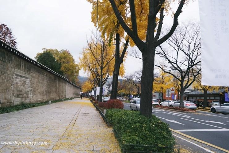 Trên đường từ Geongbokgung đi Samcheongdong-gil