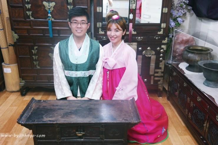 Mặc đồ truyền thống của Hàn Quốc