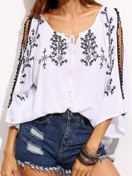 http://fr.shein.com/White-Split-Shoulder-Tie-Neck-Embroidered-Blouse-p-299453-cat-1733.html?utm_source=bymaelle.wordpress.com&utm_medium=blogger&url_from=bymaelle