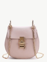 http://fr.shein.com/Pink-Flap-Saddle-PU-Bag-With-Chain-p-345111-cat-1764.html?utm_source=bymaelle.wordpress.com&utm_medium=blogger&url_from=bymaelle