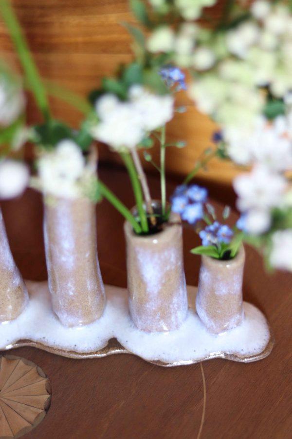 Soliflore multiple en grès céramique beige émail blanc