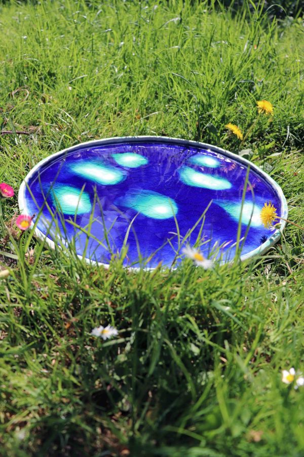 plat décoratif bleu foncé craquelé et mont turquoise