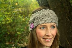 Click here to purchase the knitting pattern for the Clare Headband.