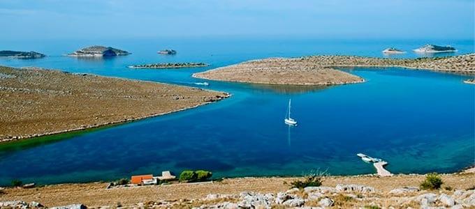 Fondear para navegar en Croacia - Islas Kornati