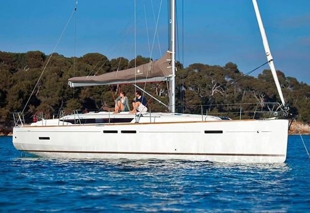 Fondeo del Alquiler de Velero Sun Odyssey 449 en Ibiza