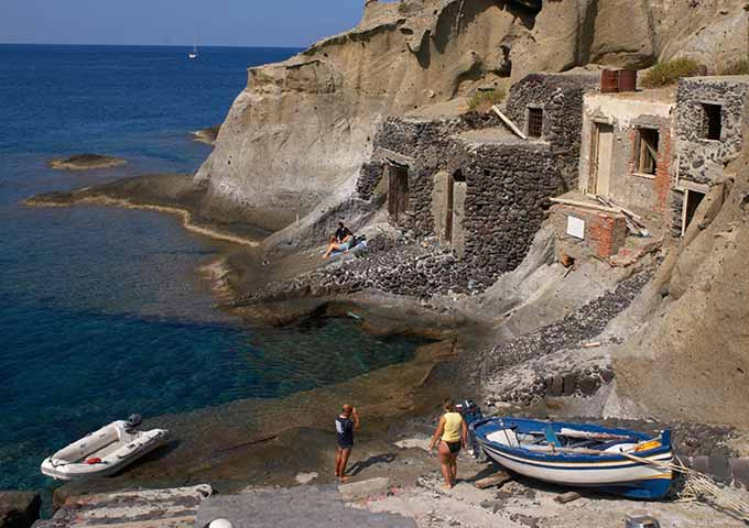Pollara para Viaje de Vacaciones en Velero a Sicilia