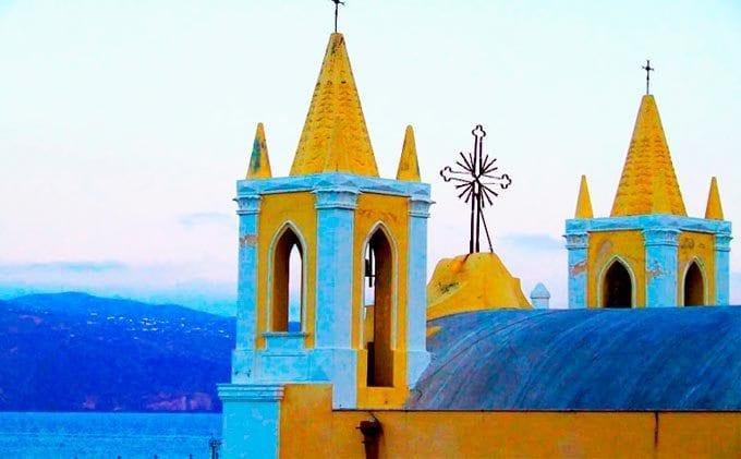 Iglesia en la isla de Salina Sicilia