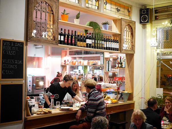 meneer-de-wit-heeft-honger-bar-restaurant