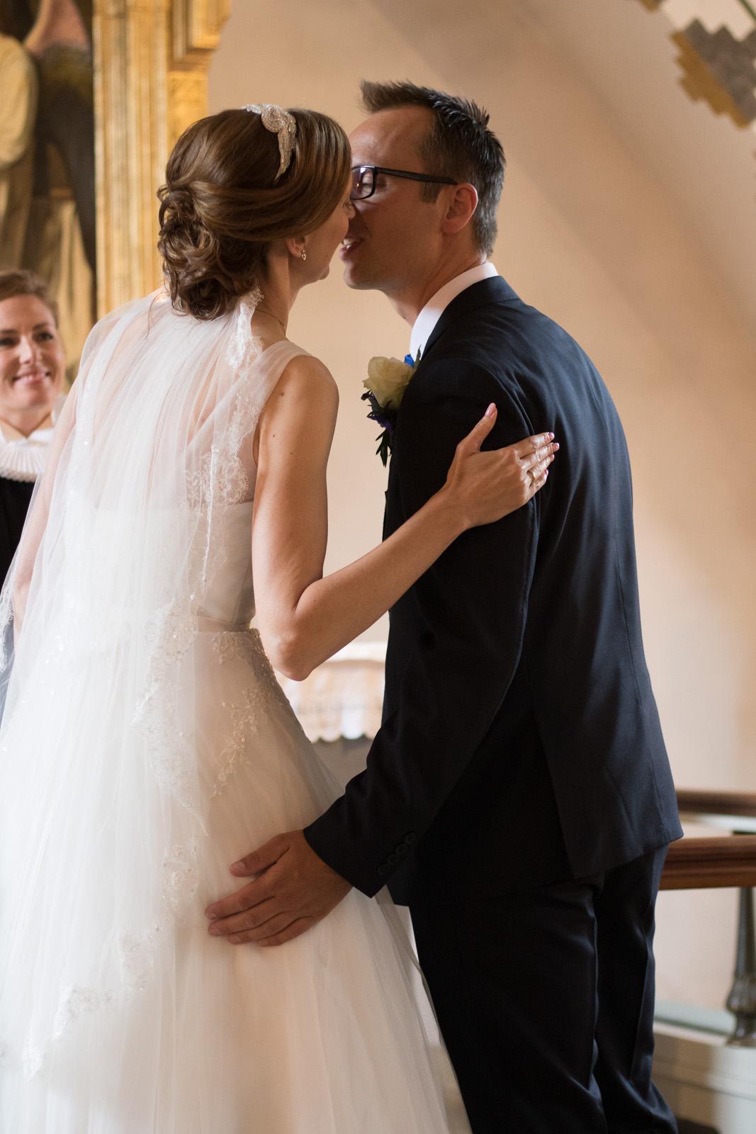 Tine og Allans bryllup - kys